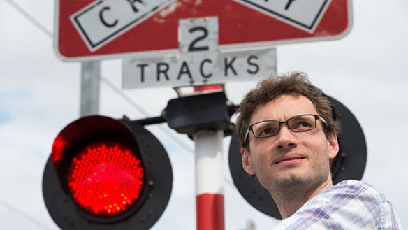 Drivers taking less care at rail crossings and NZ could have the answer: QUT study