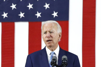 Democratic presidential candidate Joe Biden has won the support of some influential Republicans.