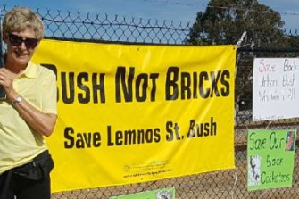 Residents of Nedlands, as well as the Mayor, attempted to save a patch of bush in Shenton Park from being bulldozed for a Landcorp housing development.