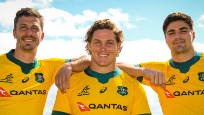 Wallabies back on full pay but pledge to help Super Rugby mates still on reduced deals