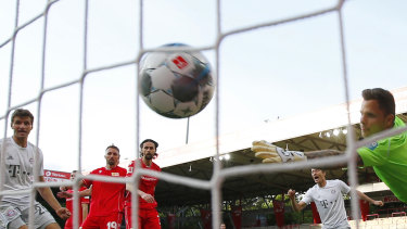 The Bundesliga returned to empty stadiums and careful social distancing measures in May this year. All matches until the end of the season will be played behind closed doors.