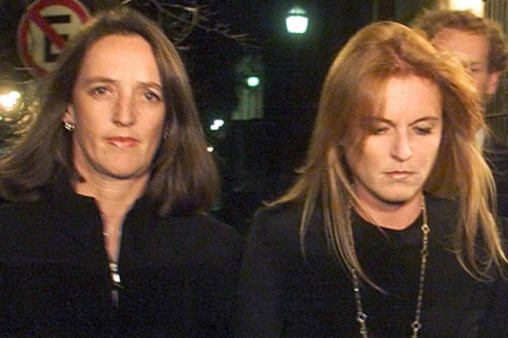Mourning ... Sarah, Duchess of York, and her sister Jane attend a mass held in honour of their late mother, Susan Barrantes, killed in a Buenos Aires car crash in 1998.