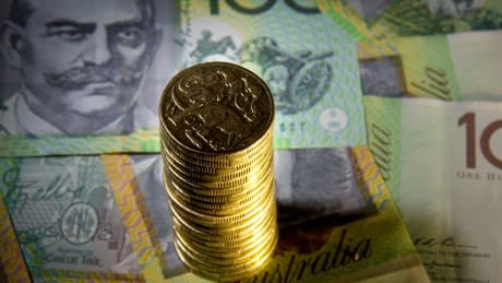 With the Reserve Bank hinting that quantitative easing is part of its thinking, the smart money is pointing to government bonds as the best investment.