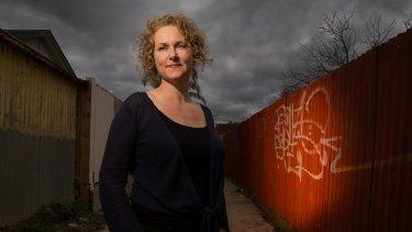 Emma Viskic has written another fine novel featuring her deaf detective Caleb Zelic.