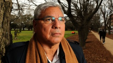 Former Labor president Warren Mundine has been parachuted in to the marginal federal seat of Gilmore as the Liberal candidate.