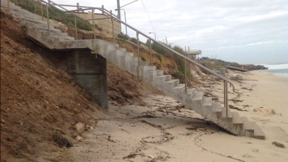 Shocking Mettams Pool erosion sparks expert's dire warning