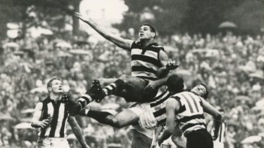 Graham 'Polly' Farmer in action for Geelong in the 1960s.