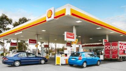 Rising oil prices slash petrol company Viva Energy's earnings