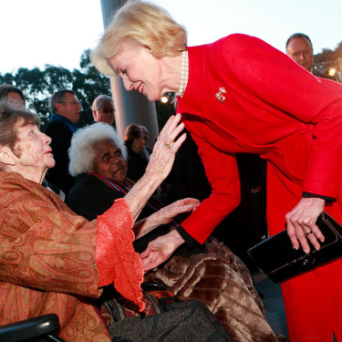 Margaret Olley greets fellow Queenslander Quentin Bryce at an event at the National Gallery of Australia in 2010.
