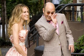 Willie Garson with Sarah Jessica Parker in Sex and the City.