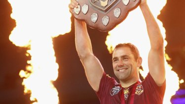 Cameron Smith, yet again holding the shield aloft.