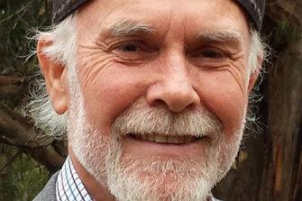 Dr Isaac Golden