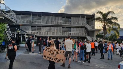 Remaining refugees 'forced' from inner-Brisbane hotel site