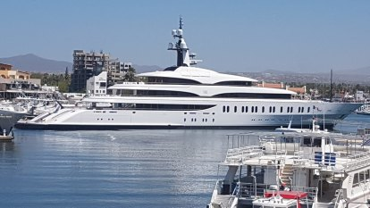 It's Billionaire Bachelor Afloat as rumours fly on Packer's superyacht