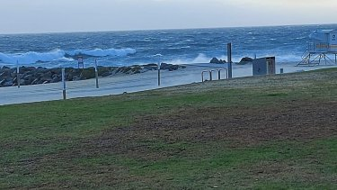 Swell is rising at City Beach.