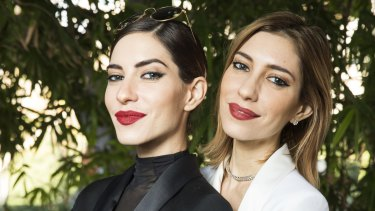 Lisa Origliasso, left, with her sister Jessica in 2016.