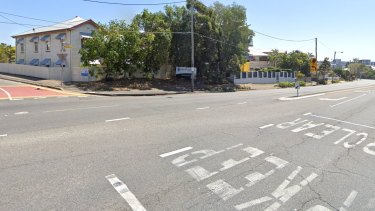 The Ipswich Road and Ponsonby Road intersection in Annerley will have traffic lights installed.