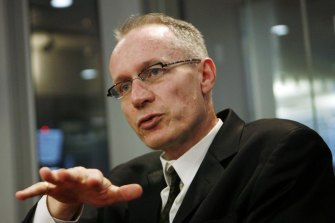 News Corp global CEO Robert Thomson will give evidence to the Senate's media diversity inquiry next week.