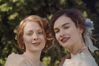 Fanny (Emily Beecham) is often picking up the pieces of her reckless, passionate and irrepressible cousin Linda (Lily James).