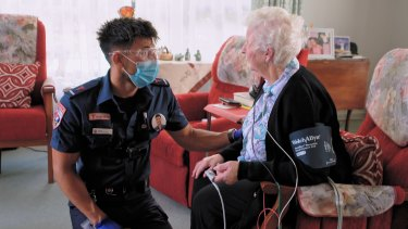 A scene from <i>Paramedics</i>, with Steven attending to 83-year-old nun Mary in Melbourne.