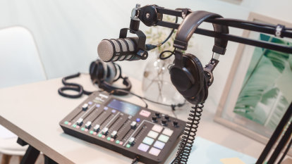 Pro podcast desk lets you mix with the best