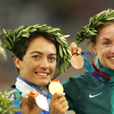 Jane Saville beams after winning Olympic bronze in Athens, 2004.