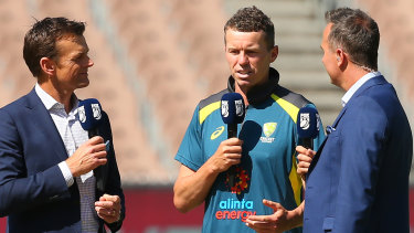 Over and out: Peter Siddle explain his decision to retire from international cricket in conversation with Adam Gilchrist (left) and Michael Vaughan.