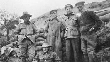 Lieutenant Robert Burns (far right) died near Fromelles.