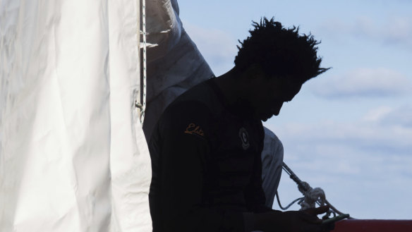 More than 100 migrants missing after dinghy sinks in Mediterranean