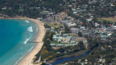 A man has been arrested after police intercepted a car allegedly loaded with drugs headed for schoolies in Lorne.