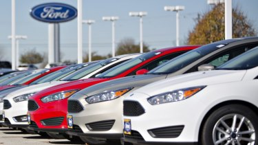 Tensions are rising  over whether car makers and their dealerships should give independent mechanics easier access to their technical servicing data.