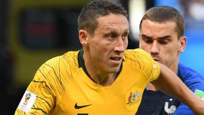 Socceroos stalwart Mark Milligan to decide future in a matter of weeks