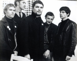 Doug Parkinson, centre, with The Questions, one of many bands to benefit from his vocals, circa 1970.