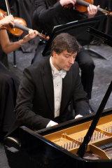 Konstantin Shamray navigated the fierce virtuosity and intense expressivity of the concerto dexterously.