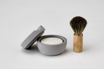 Iris Hantverk shaving brush and cup.