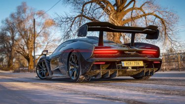 Seasons change once every real-world week in Forza Horizon 4, adding to an already staggering amount of variety.