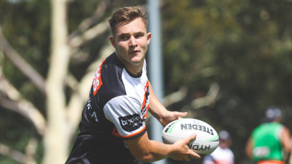 Debutant's ball: Wests Tigers rookie Simpkin one rising star to watch in 2021