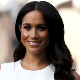 Website crashes as Meghan steps out in Aussie designer