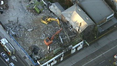 A building collapse in Balgowlah has caused peak-hour chaos on Tuesday.