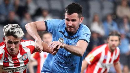 Olyroos striker signs for Western United, Victory grab keeper