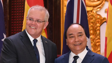 Prime ministers Scott Morrison and Nguyen Xuan Phuc in Vietnam