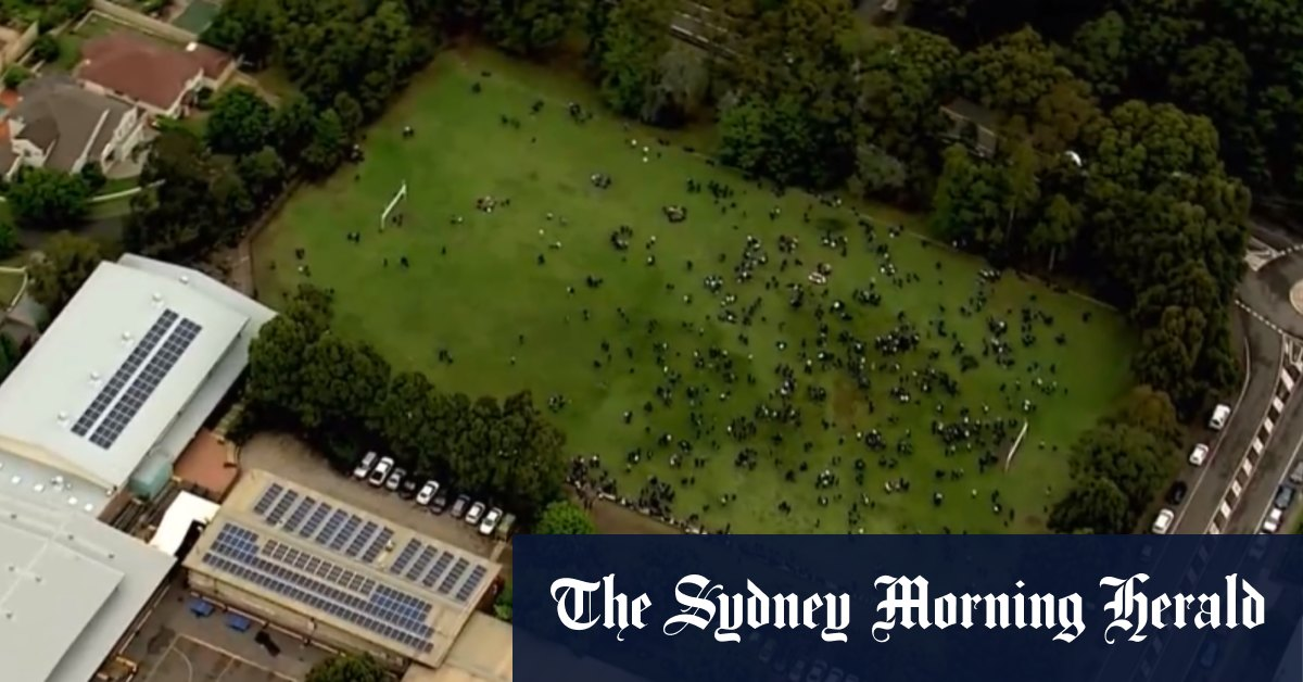 Sydney schools evacuated after 'threatening' emails received – Sydney Morning Herald
