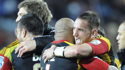 Cruden signs one-season deal to play for Chiefs under Gatland