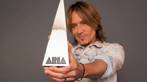 Keith Urban to host 2018 ARIA Awards - and he's bringing the 'missus'