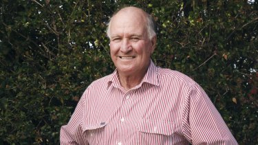 Former crossbencher Tony Windsor says he has not experienced momentum for independents like he is now.