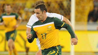 Scott McDonald in action for the Socceroos in 2010.