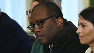 O secretário-geral Kuwashi Kwaten é responsável por resolver a escassez de gás.