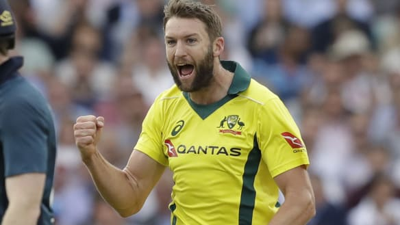 Langer puts Australian bowlers on notice