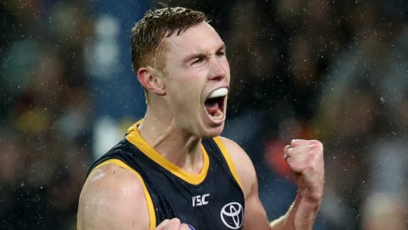 Lynch looks at homes in Melbourne as contract talks loom with Crows