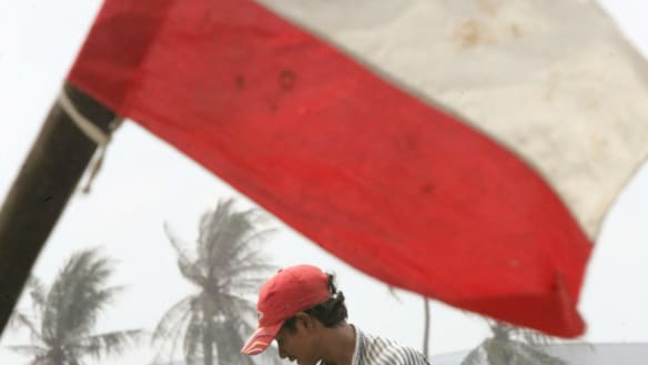 'No advance warning': deadly landslide, flooding hits central Indonesia